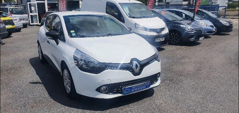 Photo 2 de l'offre de RENAULT CLIO IV STE 1.5 DCI 75CH ENERGY AIR EURO6 à 5990€ chez Vianor occasions