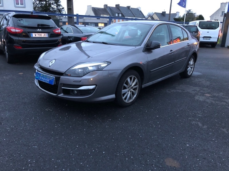 Renault LAGUNA III 2.0 DCI 130CH ENERGY BOSE EDITION ECO² Diesel ANTHRACITE Occasion à vendre