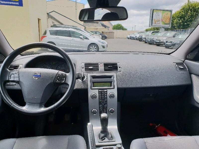 Photo 6 de l'offre de VOLVO S40 1.6 D 110CH DRIVE MOMENTUM à 7990€ chez Vianor occasions