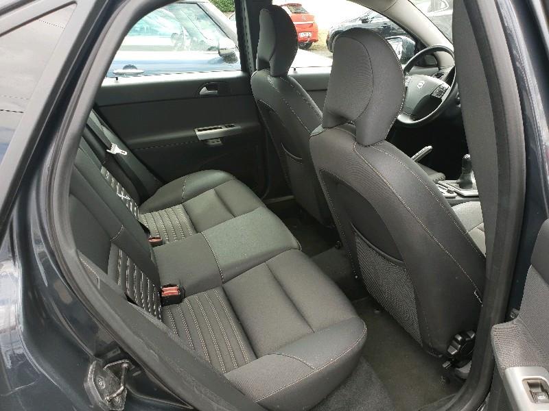 Photo 7 de l'offre de VOLVO S40 1.6 D 110CH DRIVE MOMENTUM à 7990€ chez Vianor occasions