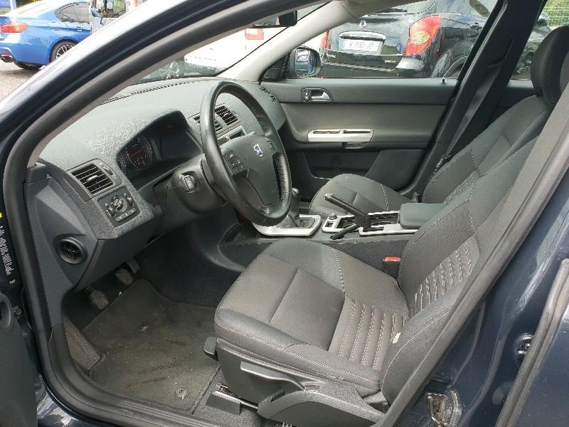 Photo 10 de l'offre de VOLVO S40 1.6 D 110CH DRIVE MOMENTUM à 7990€ chez Vianor occasions