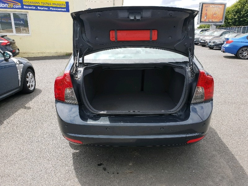 Photo 5 de l'offre de VOLVO S40 1.6 D 110CH DRIVE MOMENTUM à 7990€ chez Vianor occasions