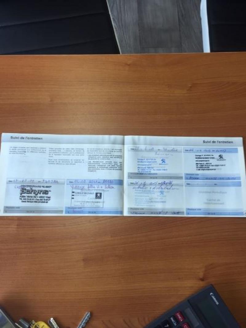 Photo 9 de l'offre de PEUGEOT 3008 1.6 HDI 110 à 7990€ chez Vianor occasions