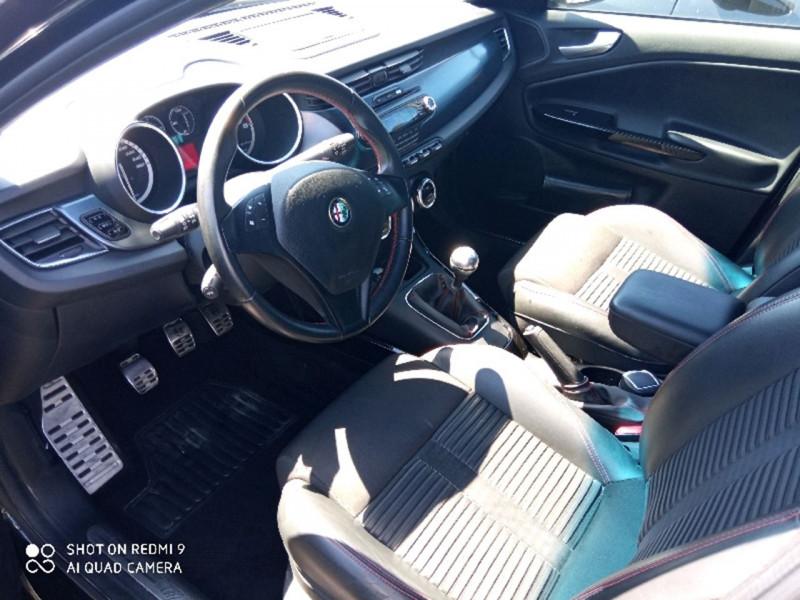 Photo 3 de l'offre de ALFA ROMEO GIULIETTA 1.4 16V T-JET DISTINCTIVE STOP&START à 10490€ chez Vianor occasions