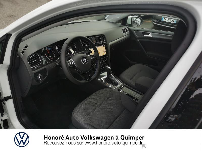 Photo 18 de l'offre de VOLKSWAGEN e-Golf 136ch 4cv à 22500€ chez Honore Auto - Volkswagen Quimper