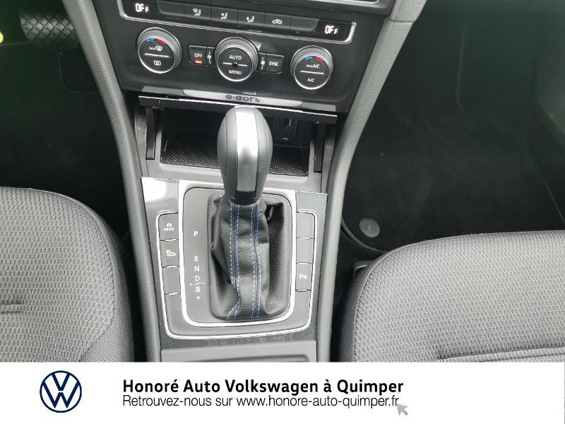 Photo 10 de l'offre de VOLKSWAGEN e-Golf 136ch 4cv à 22500€ chez Honore Auto - Volkswagen Quimper
