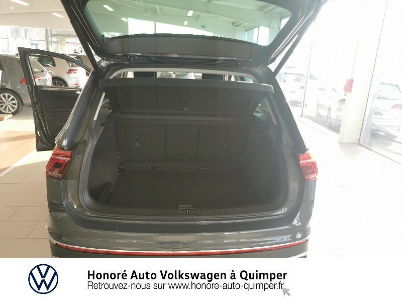Photo 12 de l'offre de VOLKSWAGEN Tiguan 2.0 TDI 200ch Elegance 4Motion DSG7 à 46900€ chez Honore Auto - Volkswagen Quimper