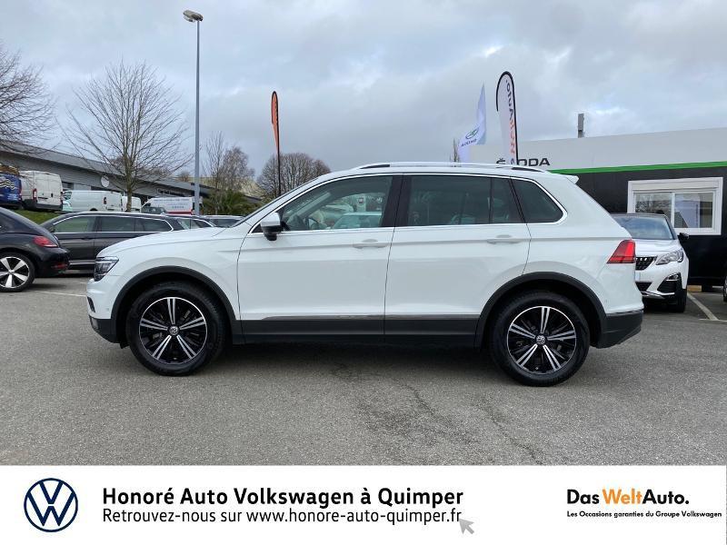 Photo 21 de l'offre de VOLKSWAGEN Tiguan 2.0 TDI 190ch Carat Exclusive 4Motion DSG7 à 26890€ chez Honore Auto - Volkswagen Quimper