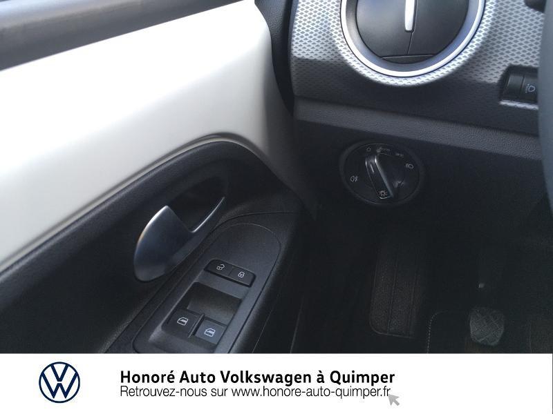 Photo 12 de l'offre de VOLKSWAGEN up! 1.0 65ch BlueMotion Technology Active 5p à 13600€ chez Honore Auto - Volkswagen Quimper