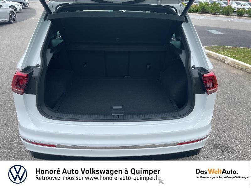 Photo 6 de l'offre de VOLKSWAGEN Tiguan 2.0 TDI 190ch Carat Exclusive 4Motion DSG7 à 27490€ chez Honore Auto - Volkswagen Quimper