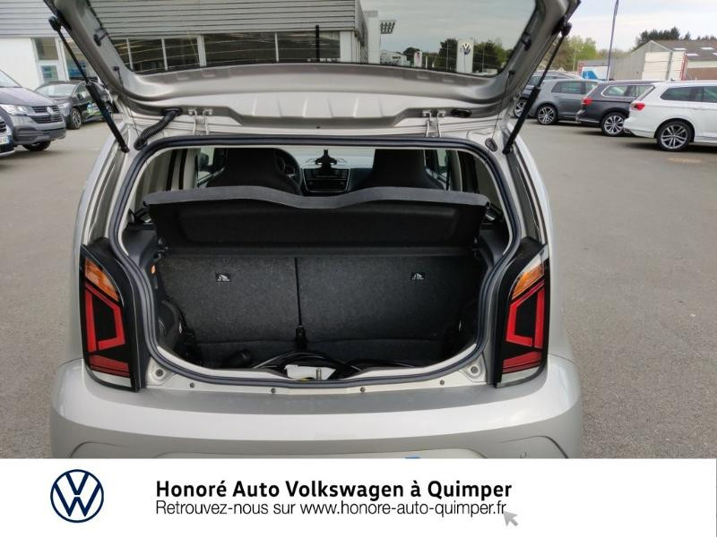Photo 12 de l'offre de VOLKSWAGEN e-up! Electrique 83ch 4cv à 17900€ chez Honore Auto - Volkswagen Quimper