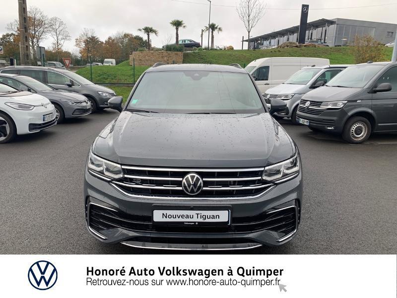 Photo 21 de l'offre de VOLKSWAGEN Tiguan 2.0 TDI 150ch R-Line 4Motion DSG7 à 39900€ chez Honore Auto - Volkswagen Quimper
