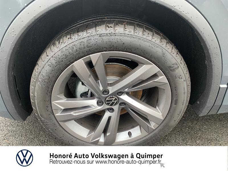 Photo 15 de l'offre de VOLKSWAGEN Tiguan 2.0 TDI 150ch R-Line 4Motion DSG7 à 39900€ chez Honore Auto - Volkswagen Quimper