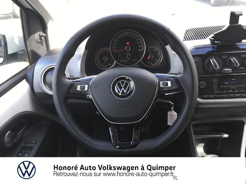 Photo 10 de l'offre de VOLKSWAGEN up! 1.0 65ch BlueMotion Technology Active 5p à 13600€ chez Honore Auto - Volkswagen Quimper