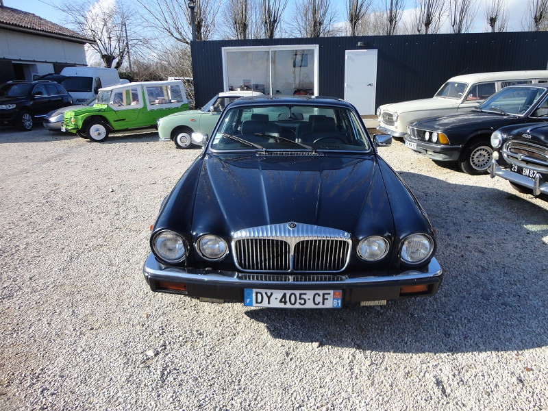 Photo 4 de l'offre de DAIMLER DOUBLE SIX V12 à 8500€ chez TPL AUTO