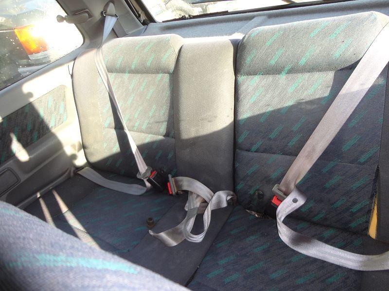 Photo 8 de l'offre de RENAULT CLIO 1.8 110CH RSI 3P à 2200€ chez TPL AUTO