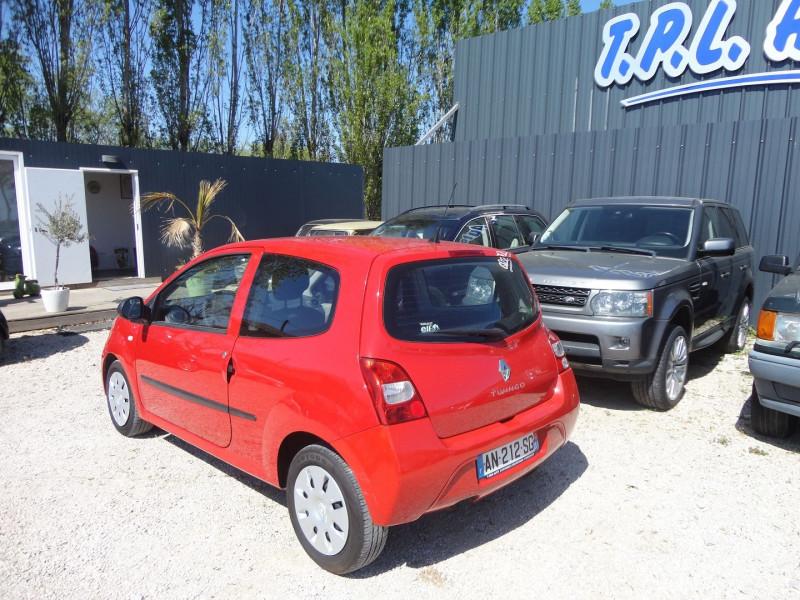 Photo 4 de l'offre de RENAULT TWINGO 1.2 LEV 16V 75CH AUTHENTIQUE à 2500€ chez TPL AUTO