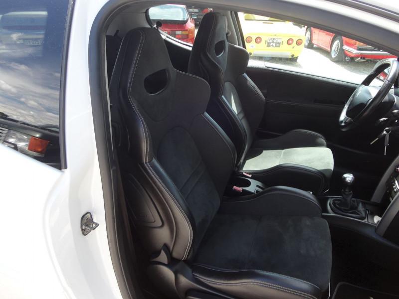 Photo 9 de l'offre de PEUGEOT 207 1.6 THP 16V 175CH RC 3P à 9400€ chez TPL AUTO