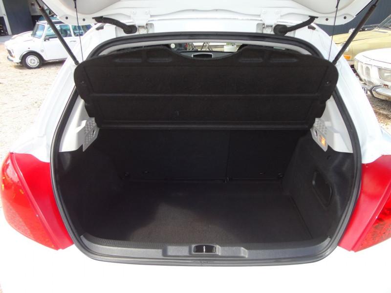 Photo 11 de l'offre de PEUGEOT 207 1.6 THP 16V 175CH RC 3P à 9400€ chez TPL AUTO