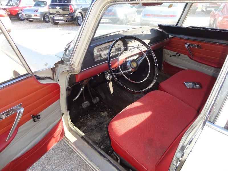Photo 2 de l'offre de PEUGEOT 404 BERLINE à 4500€ chez TPL AUTO