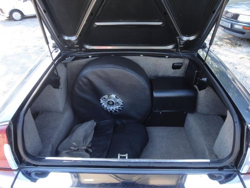 Photo 16 de l'offre de JAGUAR XJS CABRIOLET V12 6.0 CABRIOLET BA à 34000€ chez TPL AUTO