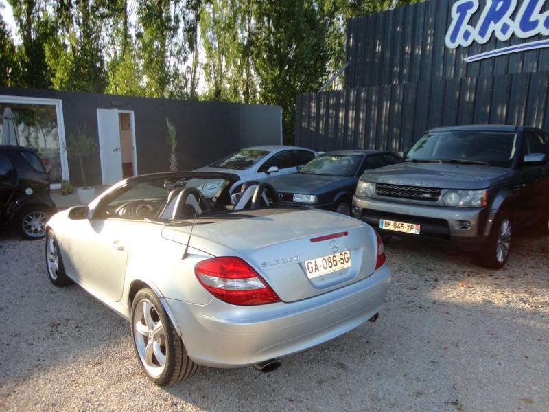 Photo 8 de l'offre de MERCEDES-BENZ CLASSE SLK (R171) 350 7GTRO à 18000€ chez TPL AUTO