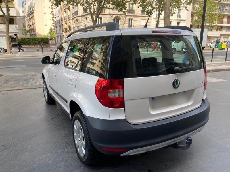 Photo 2 de l'offre de SKODA YETI 1.2 TSI AMBITION 4X2 à 8490€ chez Iptrans Auto Paris