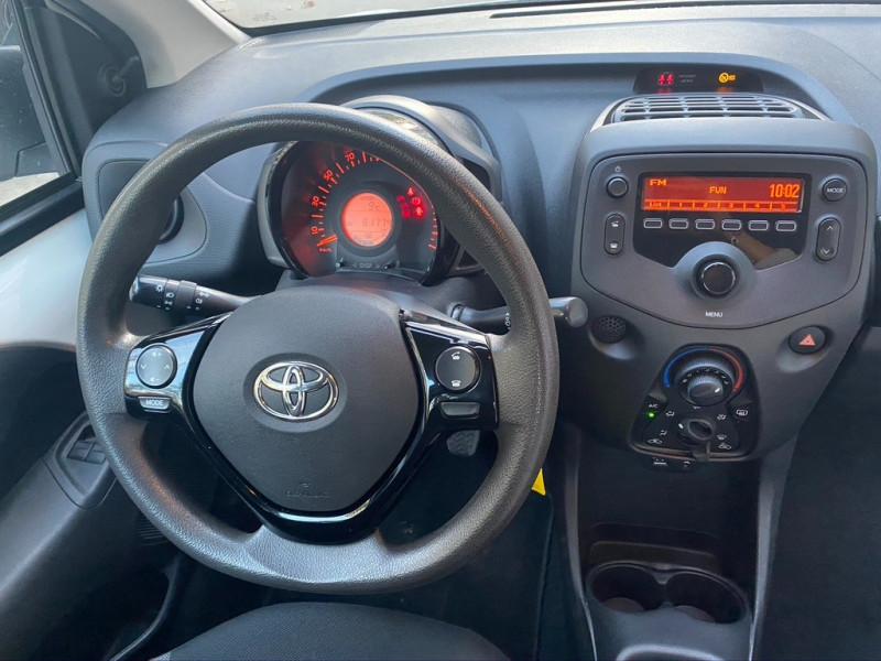 Photo 10 de l'offre de TOYOTA AYGO 1.0 VVT-I 69CH X 3P à 5990€ chez Iptrans Auto Paris