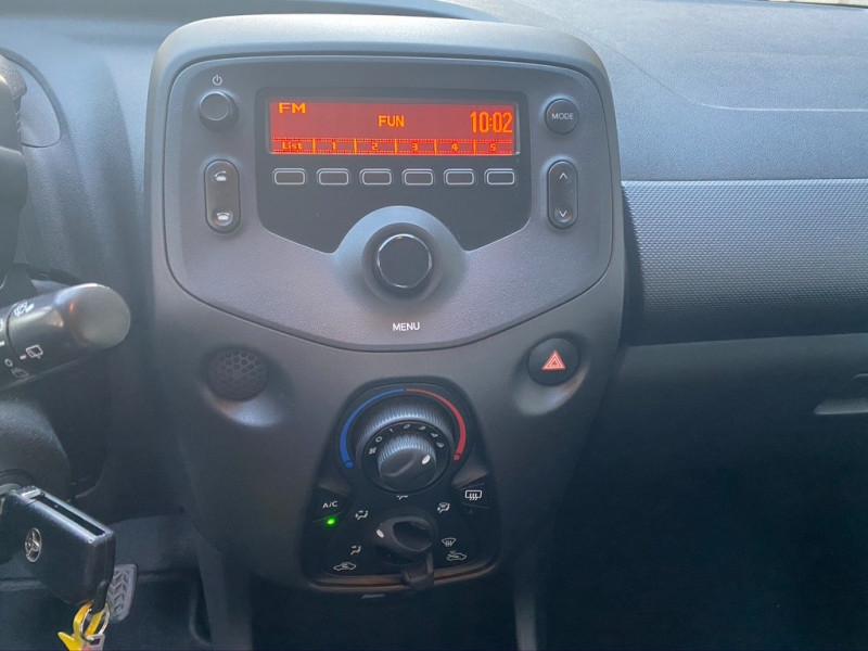 Photo 11 de l'offre de TOYOTA AYGO 1.0 VVT-I 69CH X 3P à 5990€ chez Iptrans Auto Paris