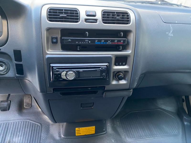 Photo 13 de l'offre de TOYOTA HIACE 117 D-4D LONG à 8990€ chez Iptrans Auto Paris