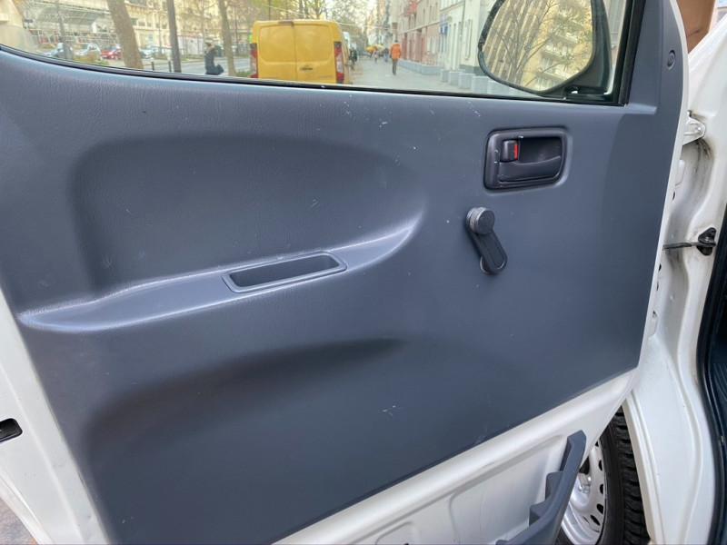 Photo 14 de l'offre de TOYOTA HIACE 117 D-4D LONG à 8990€ chez Iptrans Auto Paris