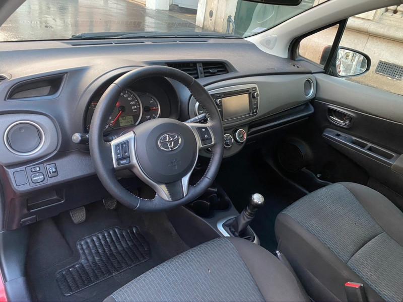 Photo 12 de l'offre de TOYOTA YARIS 69 VVT-I DYNAMIC 3P à 6990€ chez Iptrans Auto Paris