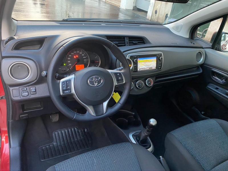Photo 7 de l'offre de TOYOTA YARIS 69 VVT-I DYNAMIC 3P à 6990€ chez Iptrans Auto Paris