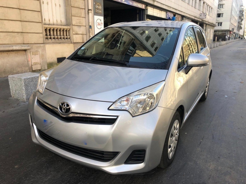 Photo 1 de l'offre de TOYOTA VERSO-S 100 VVT-I DYNAMIC à 7490€ chez Iptrans Auto Paris