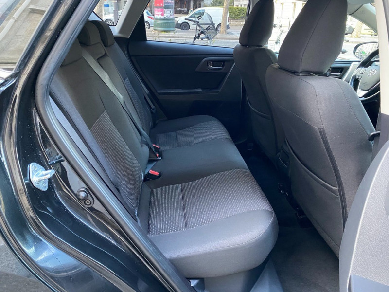 Photo 17 de l'offre de TOYOTA AURIS HSD 136H EXECUTIVE CONNECT 5P à 12990€ chez Iptrans Auto Paris