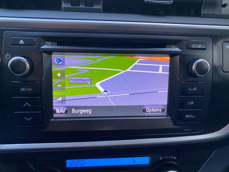 Photo 10 de l'offre de TOYOTA AURIS HSD 136H EXECUTIVE CONNECT 5P à 12990€ chez Iptrans Auto Paris