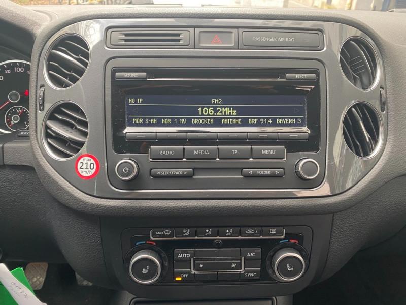 Photo 8 de l'offre de VOLKSWAGEN TIGUAN 1.4 TSI 122CH BLUEMOTION TECHNOLOGY à 13990€ chez Iptrans Auto Paris