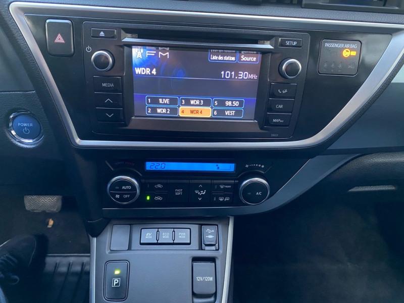 Photo 12 de l'offre de TOYOTA AURIS HSD 136H EXECUTIVE CONNECT 5P à 12490€ chez Iptrans Auto Paris