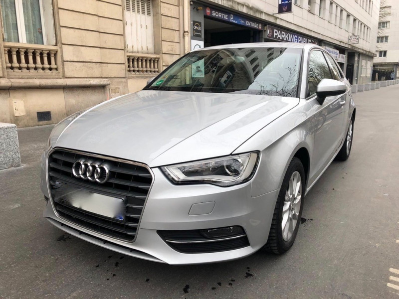 Audi A3 1.2 TFSI 105CH ATTRACTION 3P Essence GRIS Occasion à vendre