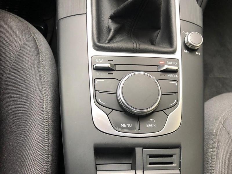 Photo 11 de l'offre de AUDI A3 1.2 TFSI 105CH ATTRACTION 3P à 12990€ chez Iptrans Auto Paris