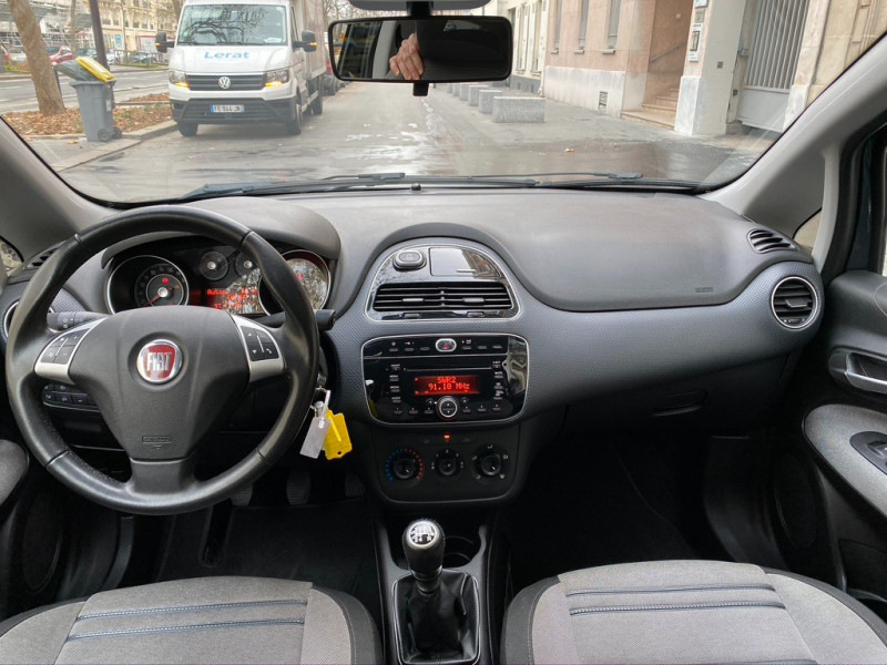 Photo 7 de l'offre de FIAT PUNTO EVO 1.4 8V 77CH DYNAMIC 3P à 4490€ chez Iptrans Auto Paris