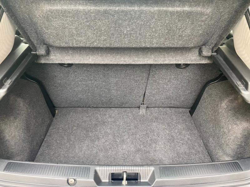 Photo 16 de l'offre de FIAT PUNTO EVO 1.4 8V 77CH DYNAMIC 3P à 4490€ chez Iptrans Auto Paris