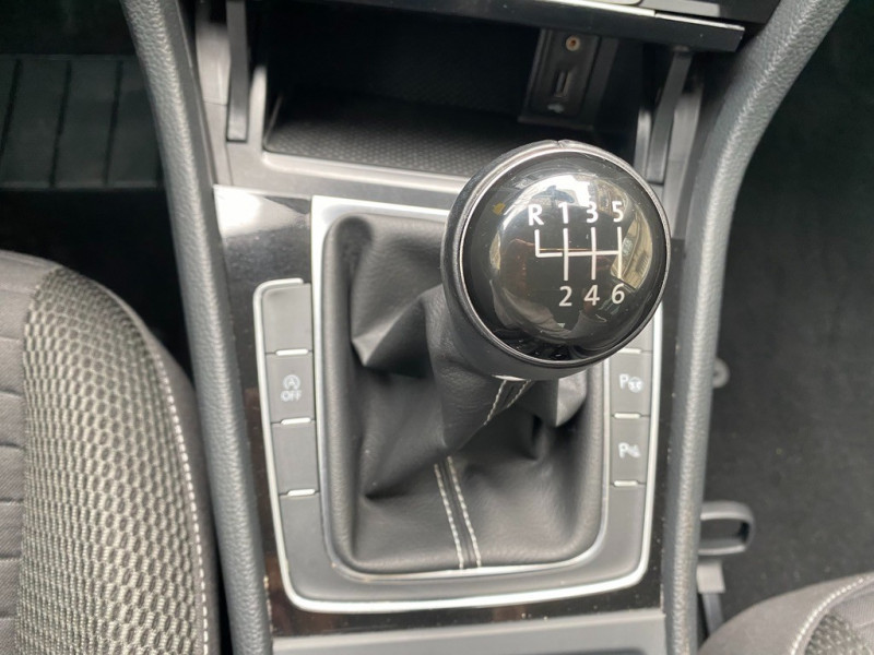 Photo 12 de l'offre de VOLKSWAGEN GOLF VII 1.2 TSI 110CH BLUEMOTION TECHNOLOGY CUP 5P à 12490€ chez Iptrans Auto Paris