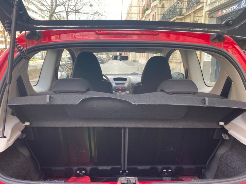 Photo 10 de l'offre de PEUGEOT 107 1.0 12V TRENDY 3P à 3990€ chez Iptrans Auto Paris