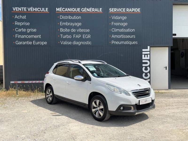 Peugeot 2008 1.2 PURETECH 82CH STYLE Essence BLANC Occasion à vendre