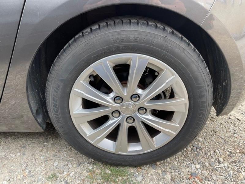 Photo 20 de l'offre de PEUGEOT 308 1.6 BLUEHDI 120CH STYLE S&S 5P à 11990€ chez Larrieu automobiles