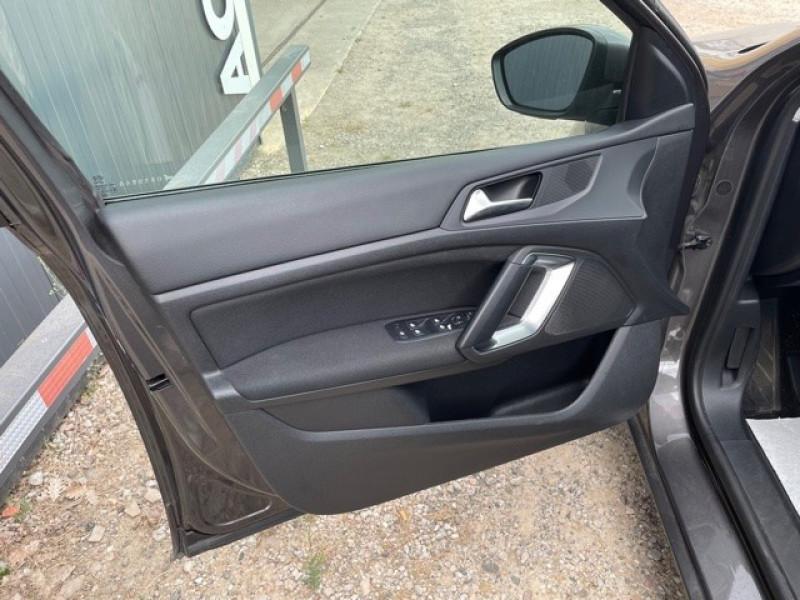 Photo 9 de l'offre de PEUGEOT 308 1.6 BLUEHDI 120CH STYLE S&S 5P à 11990€ chez Larrieu automobiles