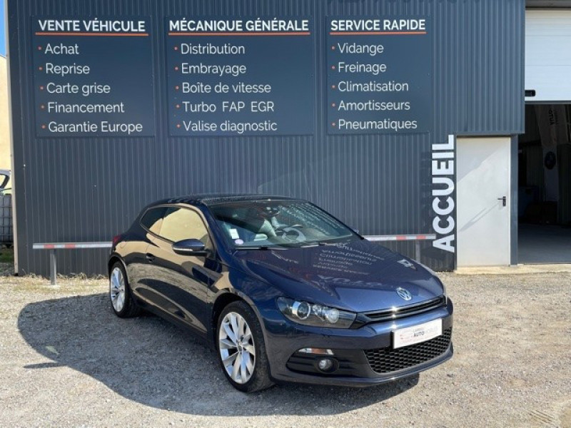 Volkswagen SCIROCCO 2.0 TSI 220CH BLUEMOTION TECHNOLOGY CARAT DSG6 Essence BLEU NUIT Occasion à vendre