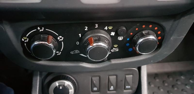 Photo 7 de l'offre de DACIA DUSTER 1.5 DCI 110CH AMBIANCE 4X4 EURO6 à 13990€ chez L'Automobile - Jérôme BATHIARD