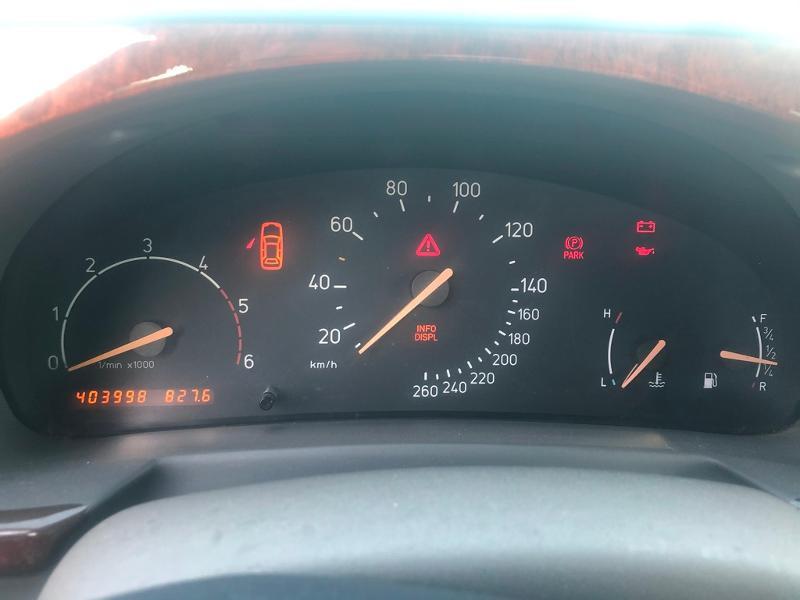 Photo 9 de l'offre de SAAB 9-3 2.2 TiD120 Arc à 1900€ chez Aubin automobiles